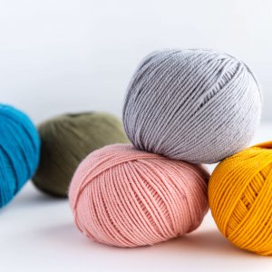 Yarn and Colors Serene